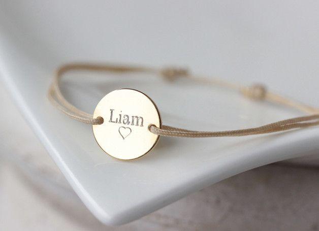 **Das Freundschaftsarmband ist auch in rose gold erhältlich**  **MATERIALIEN** ✭Plättchen 925/Sterling Silber vergoldet / 1,2cm Durchmesser ✭Nylonfaden **(auf dem Bild ist das Armband in rose...