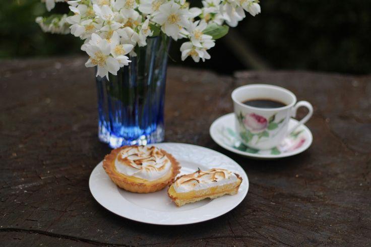 French Lemon Meringue Pie. Photo by: Linda Wenneson