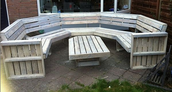 10 person U-bank    this site has lots of great ideas for repurposing pallets