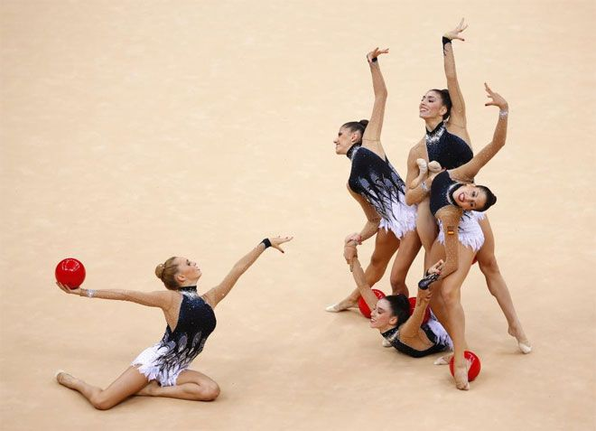 Así acaba el ejercicio de cinco pelotas de España. Juegos Olímpicos 2012 de Londres