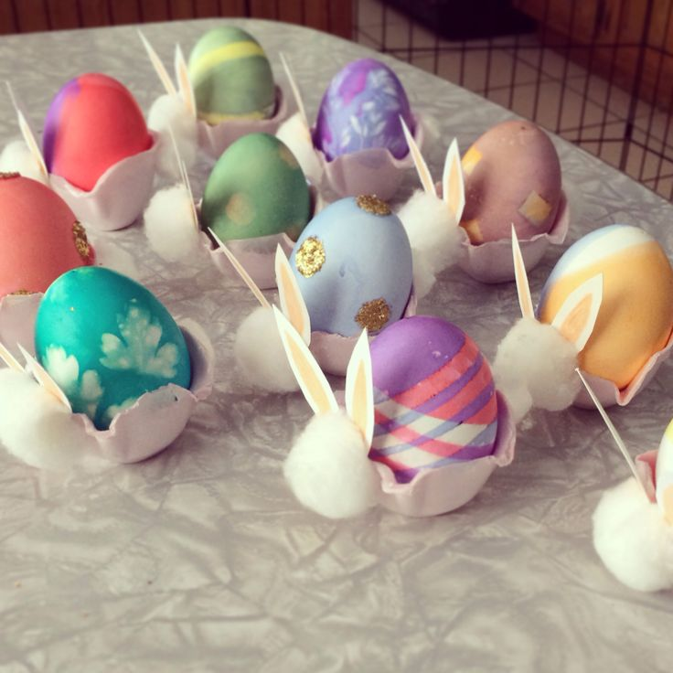 13 best on the third day images on pinterest easter for Egg tray craft