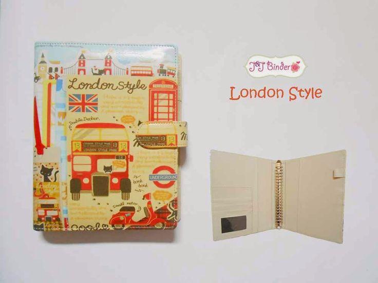 Nama  Produk : Binder London Style Ukuran   :A5 20ring : 55rb , B5 26 ring : 65rb Bahan  : Kain Satin Deskripsi : 3 slot kartu, 1 slot foto 1 Slot pulpen