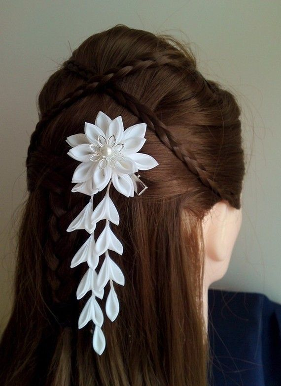 Shared for the Kanzashi -- AND the criss-crossed braids.