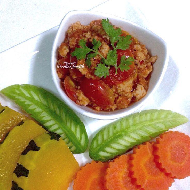Spicy minced chicken and tomato dip (Northern Thai food)  น้ำพริกอ่องไก่