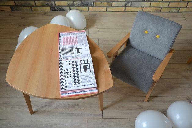 baby chair and table