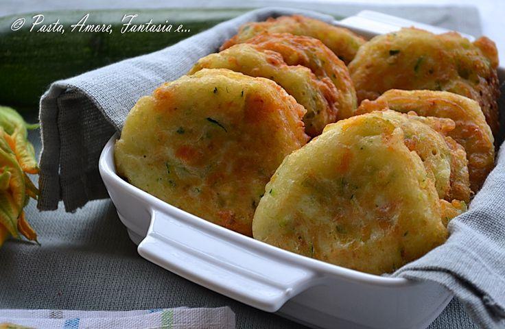 Frittelle di zucchine e fiori di zucca, ricetta tipica calabrese