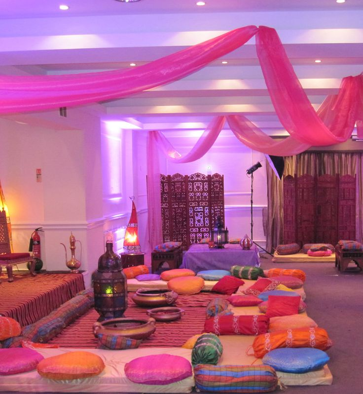 Outdoor Moroccan Decor Design Ideas: Mehndi Decorations At Home Marquee
