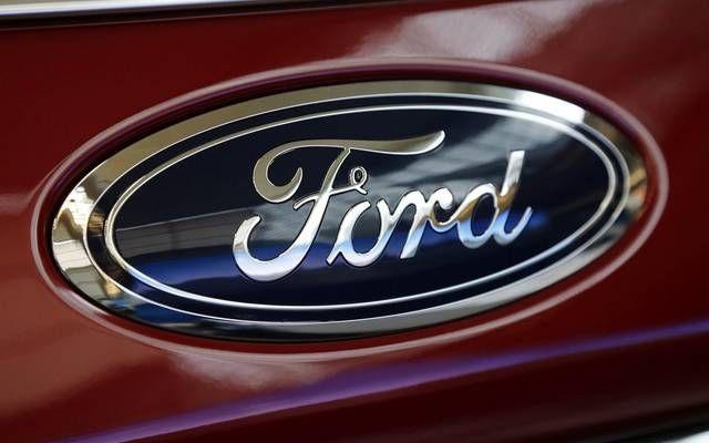 سهم فورد يتراجع 2 بعد تخفيض التصنيف قرب الخردة مباشر خفضت وكالة موديز التصنيف الائتماني لشركة فورد موتور Ford New Car Smell Ford Company