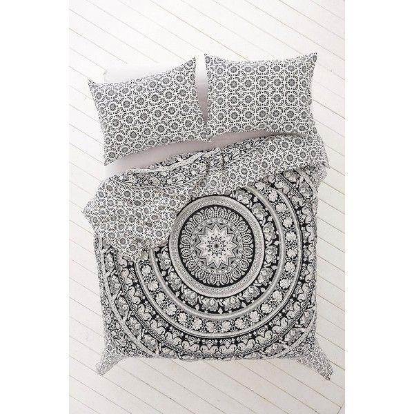 Best 25 Black White Bedding Ideas On Pinterest Black White Rooms Bedroom Themes And Master