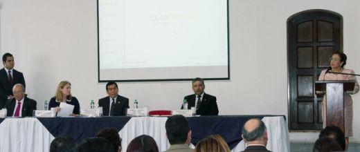 Se realiza conferencia sobre delitos económicos y financieros, dirigida a funcionarios del sistema de justicia