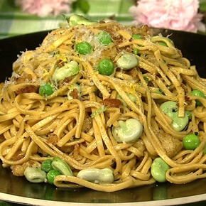 Michael Symon's Spring Pasta with Chive Breadcrumbs. Quick, light and delicious! Used asparagus, peas, snap peas, green garlic, chives and dill.