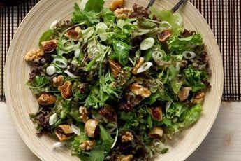 Πράσινη σαλάτα με ξερά σύκα, καρύδια και σάλτσα μελιού - Συνταγές   γαστρονόμος