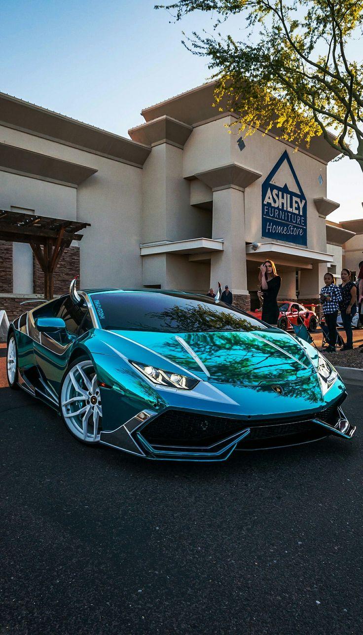 Aqua Blue Chrome Lamborghini Huracan