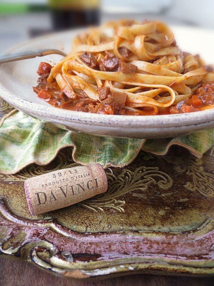 The Brooklyn Ragazza: Chianti at Home: DaVInci Portobello Bolognese