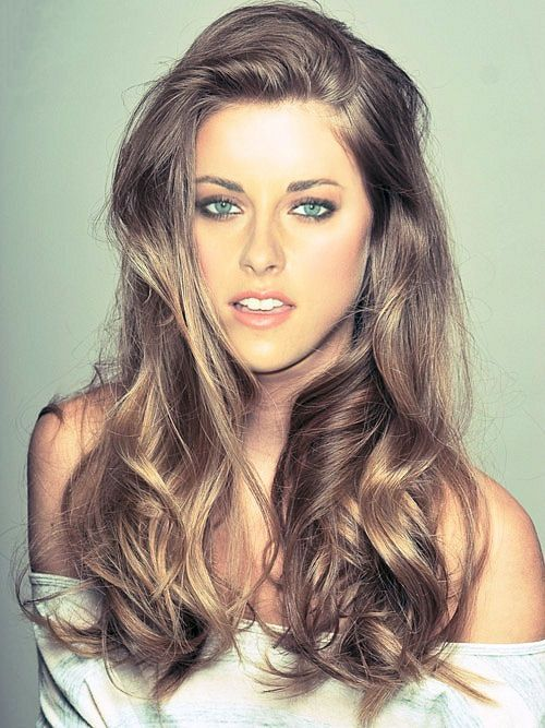 light brown wavy hair and blue eyes