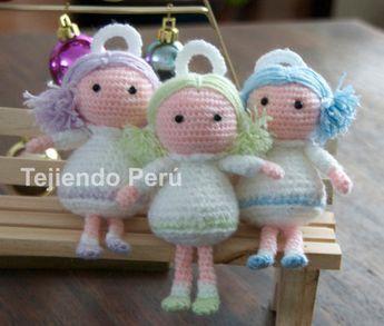 Ángel Amigurumi a Crochet - Patrón Gratis en Español y con Videotutoriales aquí: http://www.tejiendoperu.com/amigurumi/%C3%A1ngel-amigurumi/