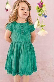 Зеленое платье с вышивкой (3 мес.-6 лет)
