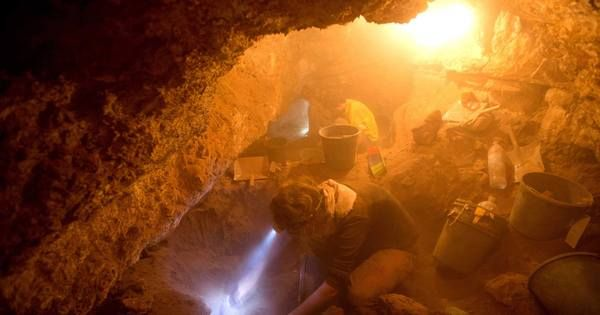 Archaeologists uncover secrets near Israel's Dead Sea