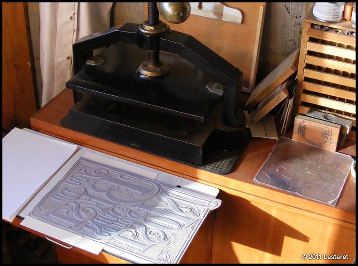 Book binding press in dubai