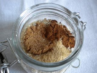 Homemade Maple and Brown Sugar Instant Oatmeal Mix (save money and calories!)