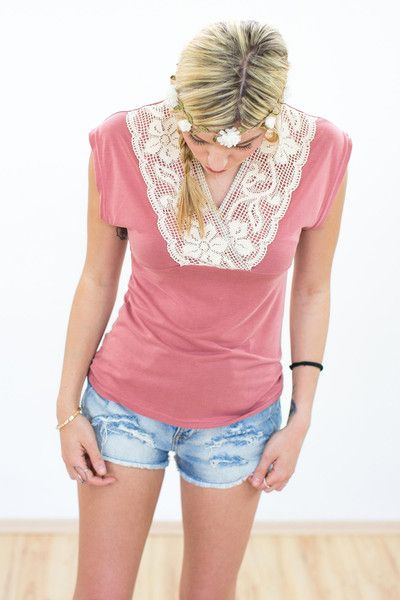 "Shirt ""Delilah"" in altrosa mit Spitze   von SHOKO® Shop auf DaWanda.com"
