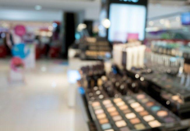 Vine Vera examines the best makeup brands for sensitive skin.