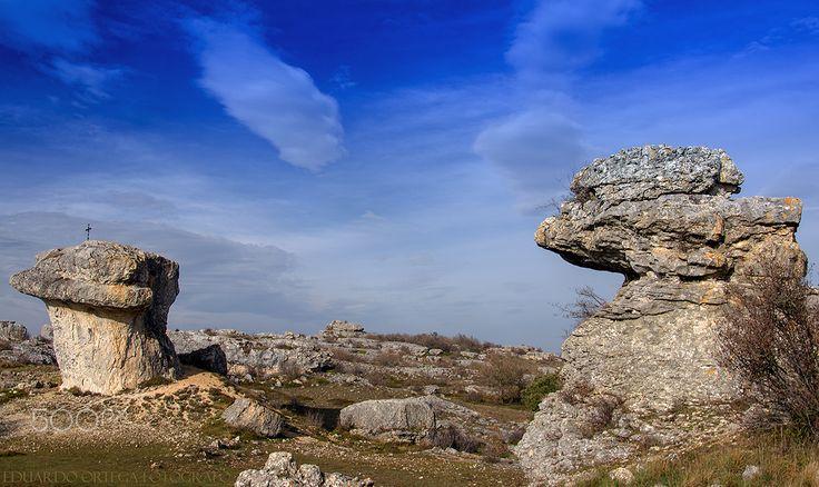 """Las tuerces - Monumento natural de Las Tuerces con su famosa formación """"La Mesa"""""""