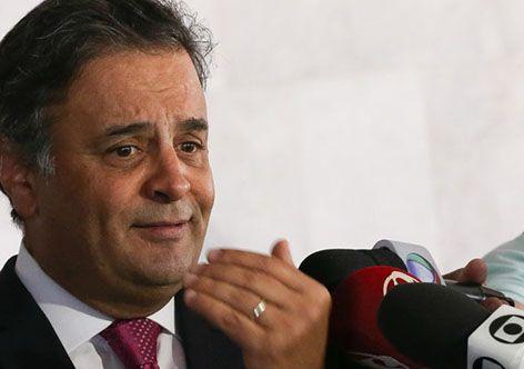 Aécio, achou legal grampo contra Dilma, mas critica gravação de Temer