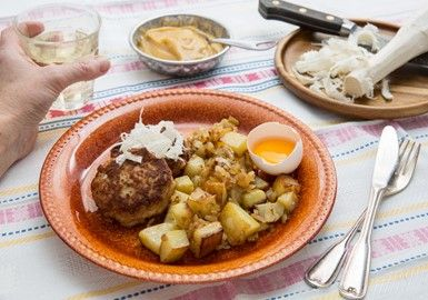 Pannbiff på kyckling med äggula och pepparrot