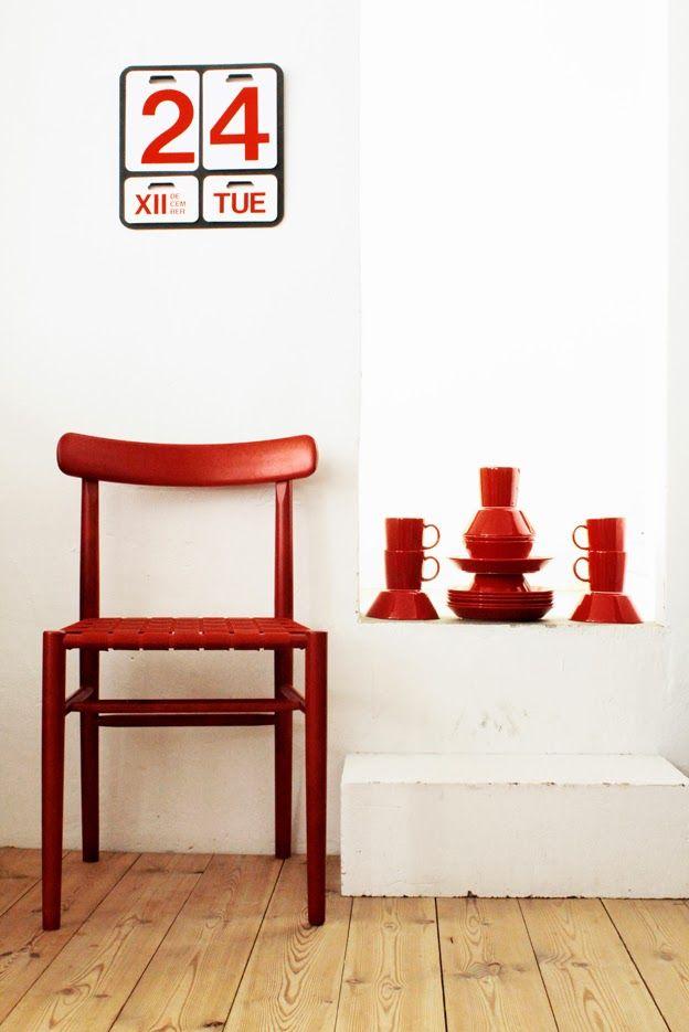 Iittala Christmas Home. Iittala + Varpunen collaboration. Teema red tableware.