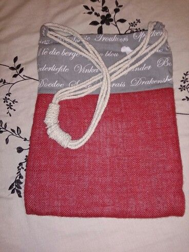 Bag with slip knot