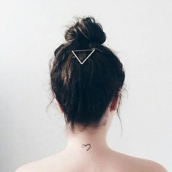 Check out this item in my Etsy shop https://www.etsy.com/listing/261033782/gold-triangle-hair-clip