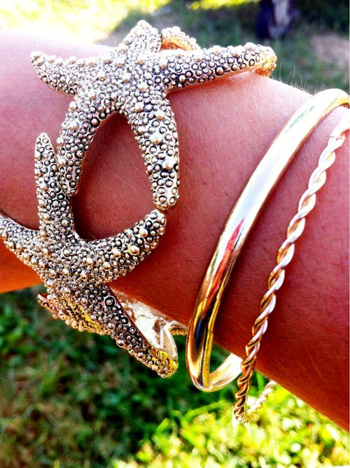 Yay for having this starfish bracelet :)