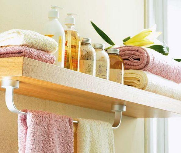 Аксессуары для ванной - держатель для полотенца крепящийся к деревянной полке