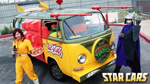 Teenage Mutant Ninja Turtles Van and Cosplay on Global Geek News.