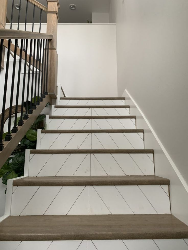Best Modern Farmhouse Stairs With Angled Shiplap Farmhouse 400 x 300