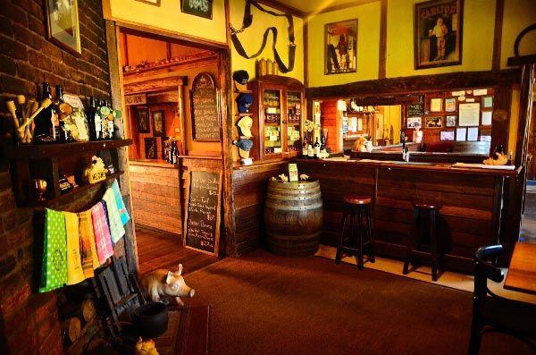Pub in the Paddock at Pyengana. Photo by Dan Fellow, article for Think Tasmania.