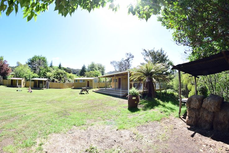 View the gallery and view the scenic Bushlands Campground, Tangarakau, Whangamomona and scenery from the Forgotten Highway