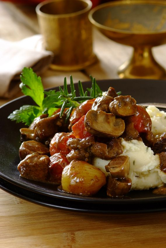 Lamb Casserole with a hint of rosemary: a melting lamb dish made with a #Knorr Garlic & Rosemary Cook-in-Bag, mushrooms and tomatoes.