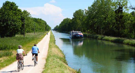 Barge Cruising in Burgundy : The Good Life France