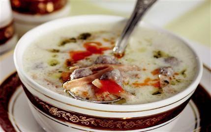 Yoğurtlu Köfteli Çorba
