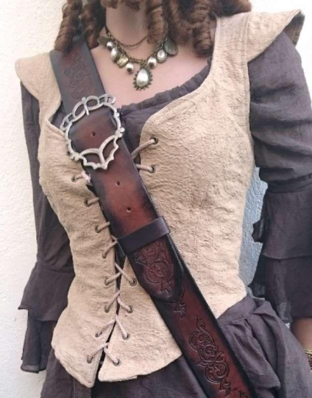 Piratin Korsarin Gewandung – Sami