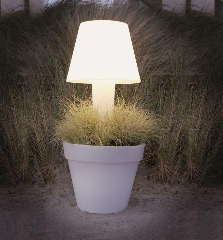 how to throw a garden party - terraform light flower pots