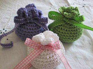Simple crochet sachet (pot pourri) - free crochet pattern by Agrarian Artisan