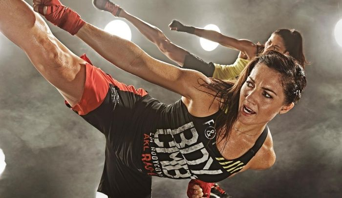LES MILLS OFFICIAL Body Combat Learn The Moves 01 - YouTube