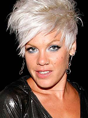 Pop Singer Pink Hairstyles | In 2006 Pink challenged the policies of George W. Bush in her song ...