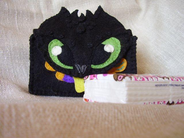 Zsebkendő tartó /Toothless/