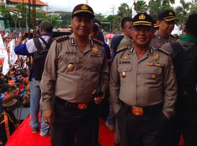 Berikut ini foto foto Aksi Hari Buruh 1 Mei 2016 di Jawa Timur.. - Halodunia.net