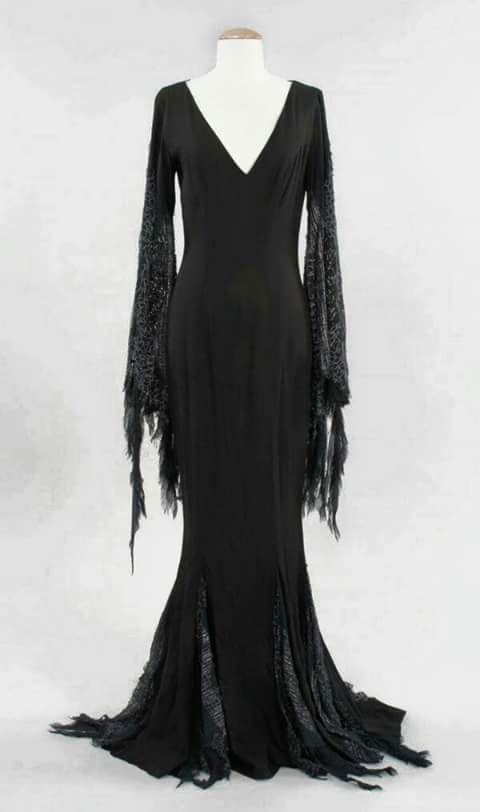 Mortisha Addams dress. I want it, it's so pretty
