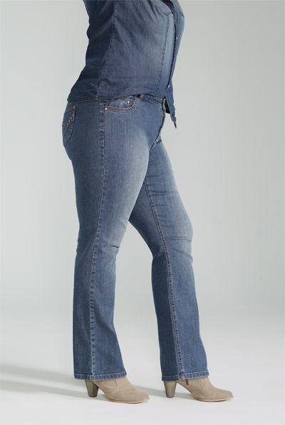 Slight Boot Cut Jean / Jean Jambe Semi-Évasée #ReitmansJeans #Jeans #Bleu #Blue #BlueJeans #Style #PlusSize Plus #TaillePlus #Plus #Reitmansjeans